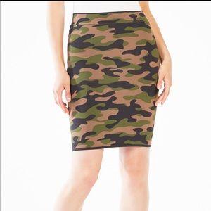 BCBGMAXAZRIA Aavan Camouflage Pencil Skirt XS